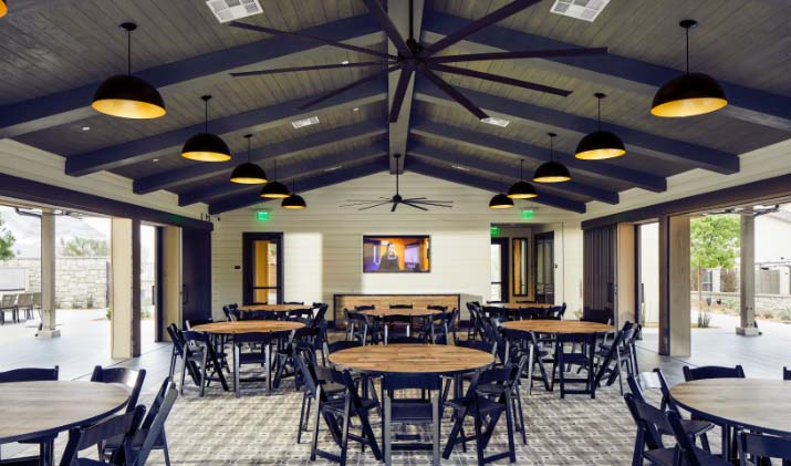 Indoor Dining at The Barn at Sommers Place