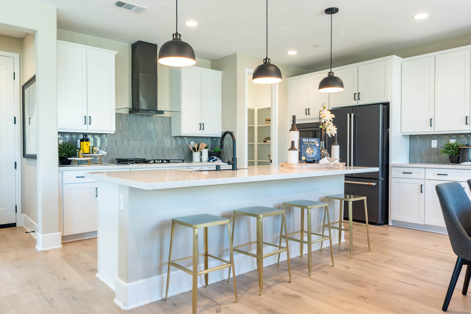 Kitchen in Finch at Canvas at Sommers Bend